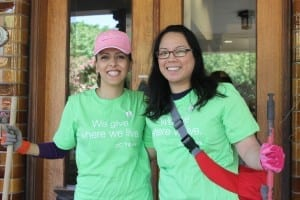 Telus volunteers at Canuck Place